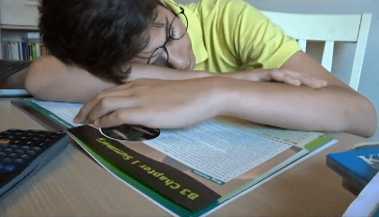 Lack of sleep in teens when going to school