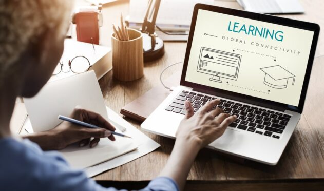 Adult learning via online distance learning